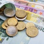 Финансисты назвали сроки роста доллара и евро