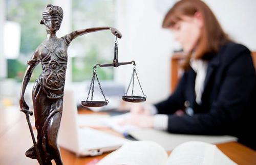 Практика обращаться к юристам стала гораздо популярнее