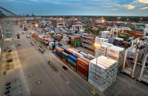 Дефицит торгового баланса США сократился в марте