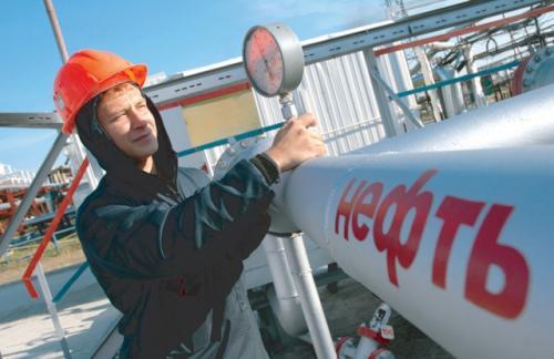 Россия обновила рекорд суточной добычи нефти