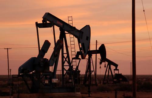 Минфин заложил в бюджет-2016 цену на нефть в 50 долларов