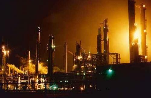 Эксперты: к концу года цены на нефть достигнут 50 долларов