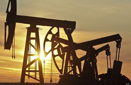 Нефть подорожала на фоне снежной бури в США и заявлений главы ЕЦБ