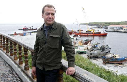 Медведев спрогнозировал стабилизацию рубля