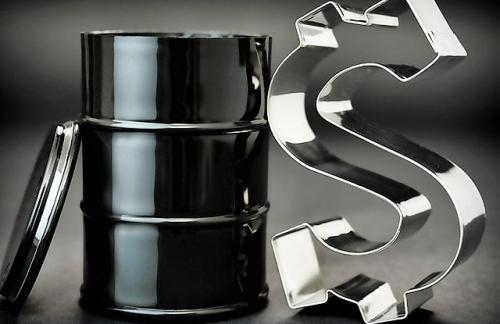 Цены на нефть пошли в рост на данных о сокращении запасов топлива в США