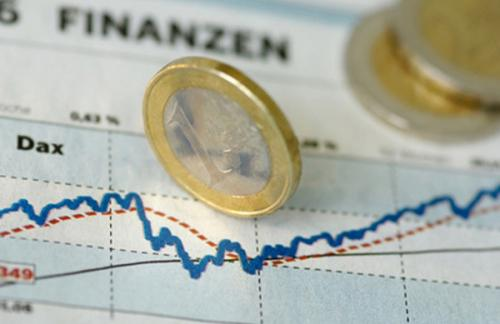 ЦБ опустил курс евро ниже 63 рублей