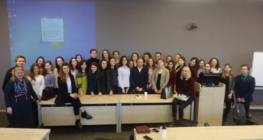 Посещение конференции в Санкт-Петербурге и успешность бизнеса — есть ли связь?