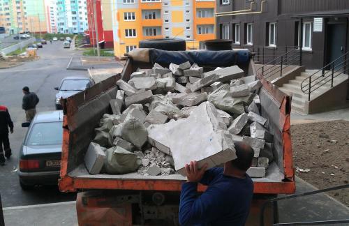 Вывоз строительного мусора в Москве может быть заказан на реально выгодных ценовых условиях