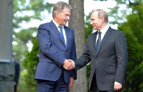 Путин предложил Финляндии снизить ущерб от санкций