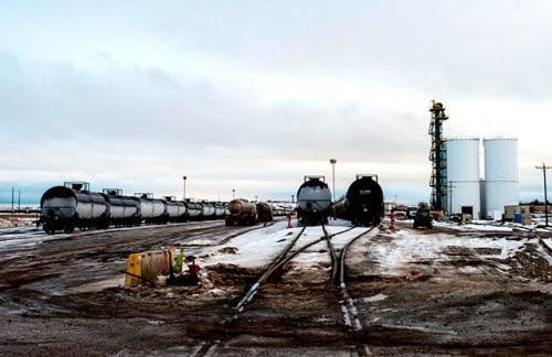 Несколько крупных производители сланцевой нефти в США решили сократить добычу