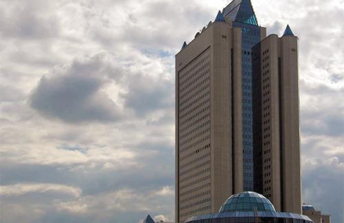 «Газпром» снова снизил прогноз добычи газа на 2015 год