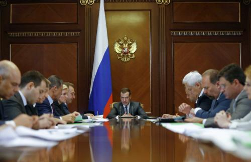 Медведев отметил замедление падения российской экономики
