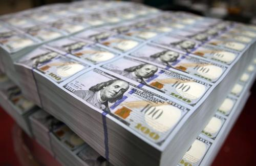 ЦБ: профицит платежного баланса упал в 3 раза