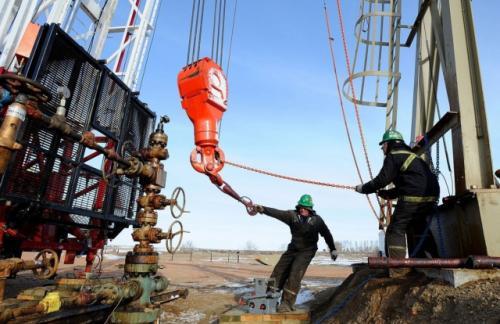 Мировая добыча нефти упала всего на 0,1%