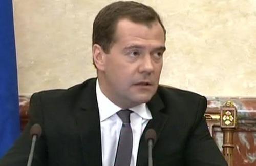 Медведев призвал подготовить реалистичный и сбалансированный бюджет