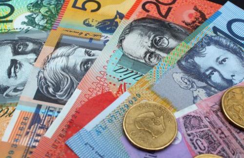 Австралийский доллар упал до шестилетнего минимума