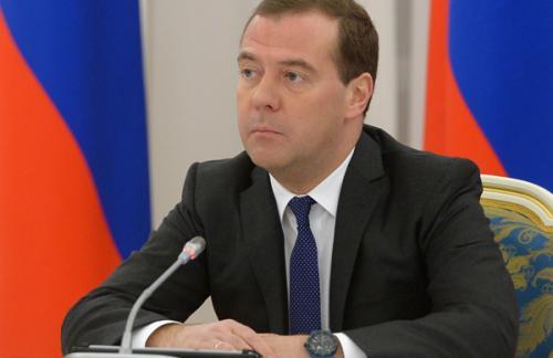 Медведев: В бюджете на 2016-2018 годы приоритет останется за соцсферой