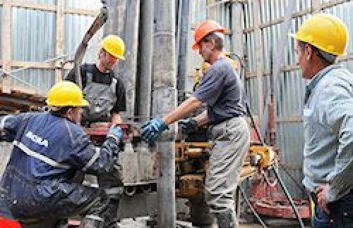МЭР предрекло падение добычи нефти в России к 2018 году
