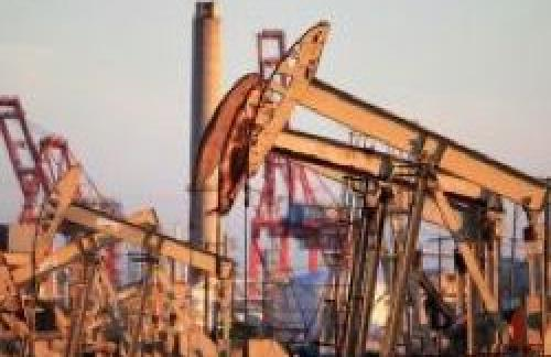 Цена на нефть снижается на фоне увеличения добычи