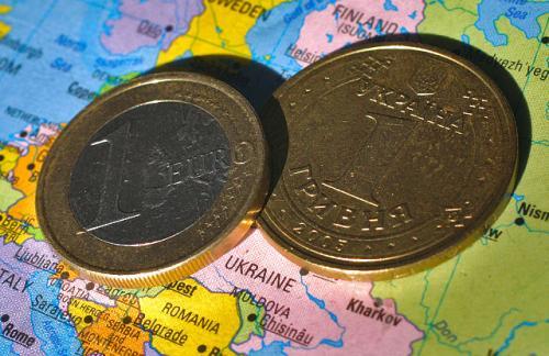 МВФ советует украинской Раде отменить закон о переводе валютных кредитов в гривны